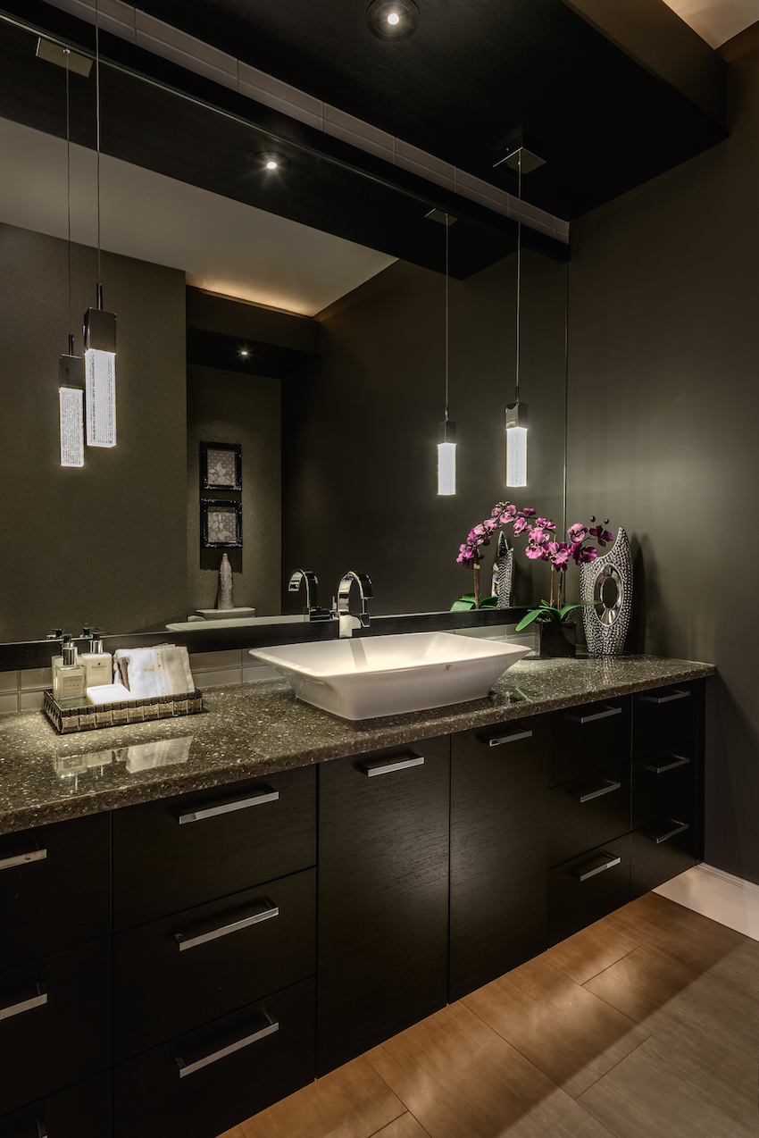 Renovations specialist in victoria bc gives top 5 trends for Dark bathrooms design